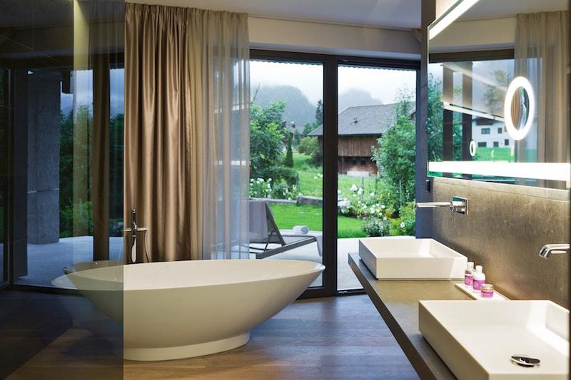 Zimmer mit Terrasse im Hotel Mayrhofen